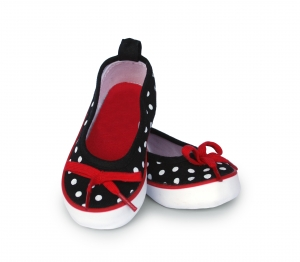 canvas-baby-girl-polka-dot-shoes-by-38-parrots